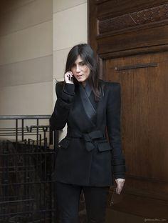 Cette veste... Et la classe d'Emmanuelle Alt
