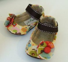 ALICE baby girl shoe by JolieBerry on Etsy, Baby Boots, Baby Girl Shoes, My Baby Girl, Girls Shoes, Baby Girl Items, Chloe Fashion, Handmade Baby Items, Baby Mine, Baby Tutu