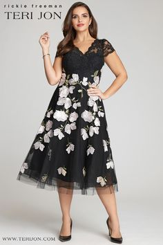 Shop Mid-Length Plus-Size Dresses at Teri Jon. From lace gowns to Plus Size Mother of the Bride, the Teri Jon plus size selection is crafted to flatter all body types. Mob Dresses, Tea Length Dresses, Fashion Dresses, Best Plus Size Dresses, Lace Dress With Sleeves, Cap Sleeves, Mother Of The Bride Plus Size, Dress Body Type, Whimsical Dress