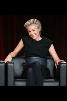 Portia de Rossi at an event for Arrested Development Portia De Rossi, Short Hairstyles 2015, Ellen And Portia, Press Tour, Celebs, Celebrities, Great Hair, Leather Skirt, Short Hair Styles