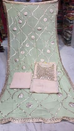 heavy wear suits, party wear suits, daily wear suits, gota patti work suits, kurtis, lehenga, anarkali, non catalog suits.