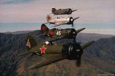 Polikarpov I-16 formation.