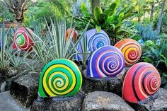 Spring is upon us and that means gardening season is returning once more. After the long winter we've been having, your garden might need a little bit of a pick me up. Or maybe you just want to add a splash of color while you wait for your flower to bloom. Here are some easy to do decoration projects that won't take you too long to complete and anyone can do. So now you don't have any excuses.