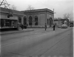 125 West Brookland Park Boulevard - Category:February 1959 in Virginia - Wikimedia Commons Confederate States Of America, Richmond Virginia, Back In Time, Vintage Photography, First World, Parka, Street View, Architecture, City