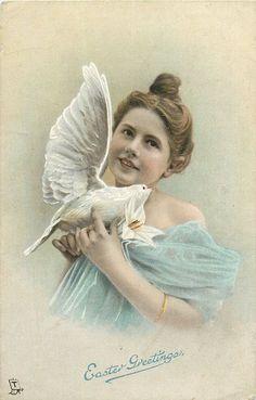 Grand nombre de magnifiques illustrations vintage pour Pâques.  Aussi, plusieurs des images pourraient être utilisées dans vos créations, pour peu que vous retiriez les voeux de Pâques et que vous les utilisiez à votre gré!