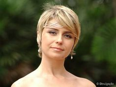 Love the hair band Short Hair Cuts, Short Hair Styles, Pixie Cuts, 1200 Calorie Diet Plan, Charlize Theron, Pretty Face, Hair Band, Beautiful, Elsa Pataky