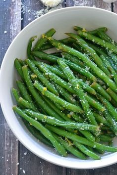 An easy recipe for Lemon Butter Green Beans tossed with garlic and parmesan via Mother Thyme. Vegetable Sides, Vegetable Side Dishes, Vegetable Recipes, Garlic Green Beans, Roasted Green Beans, Recipe For Lemon Butter, Homemade Butter, Cooking Recipes, Healthy Recipes