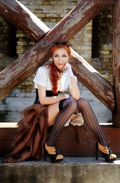 ❤️ Redhead beauty❤️ Steampunk girls with nice curves Steampunk Cosplay, Mode Steampunk, Gothic Steampunk, Steampunk Clothing, Steampunk Fashion, Gothic Fashion, Emo Fashion, Cyberpunk Fashion, Victorian Gothic
