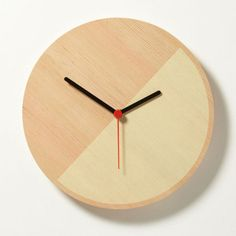 Minimally designed Primary Clocks by David Weatherhead & GOOD for Thorsten van Elten.