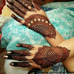 A simple design is popular among all age the girls and women on different events. Here, we have collected easy mehndi design Kashee's Mehndi Designs, Mehndi Designs For Girls, Mehndi Designs For Beginners, Mehndi Design Pictures, Wedding Mehndi Designs, Mehndi Designs For Fingers, Latest Mehndi Designs, Mehndi Images, Floral Henna Designs