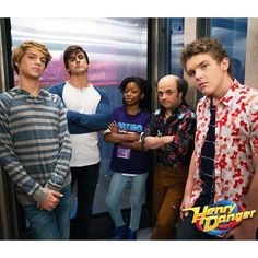 Jace Norman Cooper Barnes Riele Downs Michael D. Cohen And Sean Ryan Fox in Henry Danger S03E03 Of Scream Machine On Nick