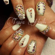 white with silver and iridescent Great Nails, Fabulous Nails, Gorgeous Nails, Love Nails, How To Do Nails, Fun Nails, Matte Stiletto Nails, Pointy Nails, Coffin Nails