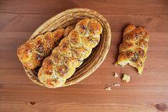 Makové housky (vč. bezlepkové varianty) | Jíme rádi Baked Potato, French Toast, Low Carb, Gluten Free, Potatoes, Bread, Baking, Fruit, Breakfast