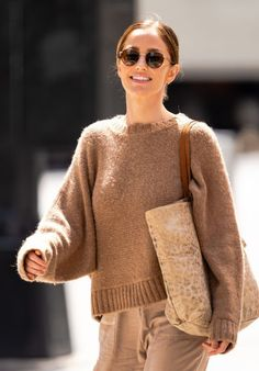 Minka Kelly in a neutral fall look | For more style inspiration visit 40plusstyle.com