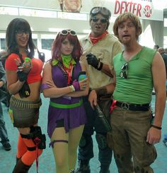bad-ass Scooby gang. I particularly like Shaggy's peace-sign belt buckle.