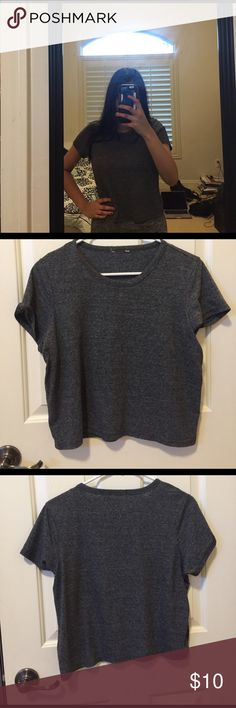 cropped grey top cute cropped grey top! great for summer and spring Tops Crop Tops
