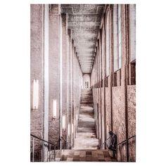 @shootcamp posted to Instagram: ...man in the hood... @stani_film . Du möchtest auch gefeatured werden? Benutze unseren Hashtag #shootcamp. Wir freuen uns auf eure atemberaubenden Bilder! . in frame: @stani_film  #citygrammers #killyourcity #citykillerz#jj_geometry #ig_ometry#tv_pointofview #createexplore#creativoptic #symmetryhunters#symmetricalmonsters #fujixlovers#fujifilm_street #fujixpro2 #visualgrams#artofvisuals #visualambassadors#toneception #lensbible#leagueoflenses… Abstract, Instagram, Artwork, Movie, Summary, Work Of Art, Auguste Rodin Artwork, Artworks, Illustrators