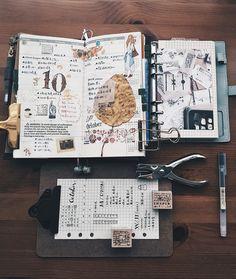 week 40 今天很有冬天的感覺 ️雨不要下更好 --------------------------- #手帳#手繪#日誌#繪圖#鋼筆#travelersnotebook#stamp#travelerscompany#midoritravelersnotebook#midori#maskingtape#illustration#travelersnote#hairmodiary#旅人手帳#手帳好朋友#印章#日付#万年筆#郵票#切手#票券#文房具#fountainpen#bulletjournal#ほぼ日手帳#hobonichi#moleskine