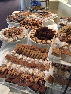 Dessert Bar Wedding, Wedding Desserts, Buffet Wedding, Wedding Cakes, Snacks To Make, Easy Snacks, Dessert Buffet, Dessert Bars, Morrocan Food