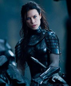 """Rhona Mitra as Sonja in """"Underworld: Rise of the Lycans"""" (Medieval/Fantasy) Warrior Queen, Warrior Princess, Woman Warrior, Story Inspiration, Character Inspiration, Narnia, Elfen Fantasy, Rhona Mitra, Female Armor"""