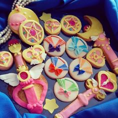 Sailor moon themed cookies for my tween niece's birthday. Sailor Moon Birthday, Sailor Moon Party, Moon Cookies, Cute Cookies, Sailor Moon Cakes, Moon Food, Anime Cake, Cute Baking, Kawaii Dessert