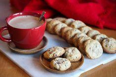 Julekonfekt: Enkle julecookies - Oppskrift - Godt.no Brownie Cookies, Pretzel Bites, Nom Nom, Sausage, Muffin, Food And Drink, Baking, Breakfast, Ethnic Recipes