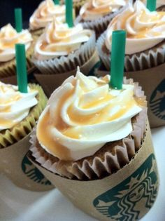 What do you think of my Starbucks Cupcakes? Coffee, caramel, and a few borrowed Starbucks straws and ... voila !