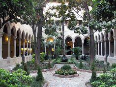 File:124 Església de la Concepció, claustre del convent de Jonqueres.jpg