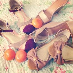 I want the ones with the bows!!! Love Seychelles shoes.