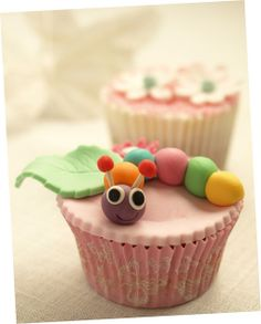 Cute little Worm Cupcake baby shower idea Cupcakes Kids, Garden Cupcakes, Cute Cupcakes, Mini Cakes, Cup Cakes, Fun Food, Good Food, Cupcake Boutique, Fairy Cakes
