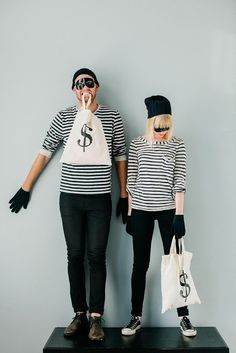 This bank robbing couples costume would be so much fun to create!