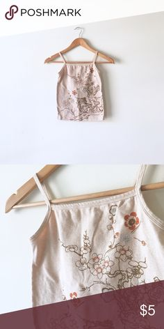 """Floral halter neck cami Fits XXS - XS. Square-ish neckline - close to how a halter looks. 12.5"""" across, 14.5"""" neck to bottom. Not quite a crop but def can be if you have a longer torso. No Brand Tops Camisoles"""