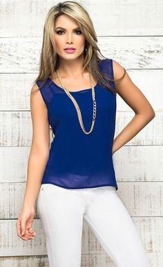 outfit pantalon blanco blusa azul - Buscar con Google