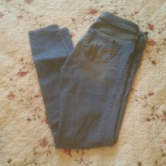Holster Jeggings Hollister jeggings super cute worn a handful of times but have grown out of them Hollister Jeans Skinny