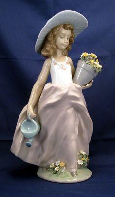 """Lladro """"A wish come true""""  """"Que bonitas""""  Figurine"""