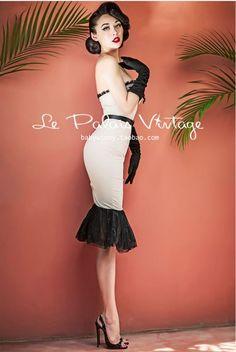 Le Palais Vintage Retro Sexy Beige Lace Corset Sheath Bodycon Dress