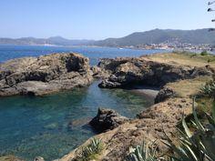 Costa Brava: caleta prop de Llançà, a l'Alt Empordà (Catalunya - Catalonia)