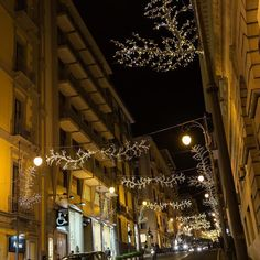 Happy Friday! http://ift.tt/1MUFMgo #lucidartista #lucidartistasalerno #lucisalerno #love #natale #christmaslights #lucidinatale #streetphotography #christmasdecor #luminarias #streetart #salernocity #salerno #light #travelgram #trip #tourist  #urbanart #lights #instachristmas #instalights #salernolights #salernobynight #christmastime #streetlight #travel #beautiful #instalove #fashion #paesaggisalernitani