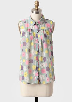 About Ruche: A vintage inspired boutique with a modern touch. Ruche is a collaboration of everything that has inspired us from fashion, ph. Pretty Outfits, Cute Outfits, Pretty Clothes, Button Up, Power Button, Front Button, Grey Blouse, Sheer Blouse, Floral Print Shirt