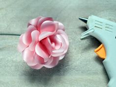 Download and print the template then follow the easy instructions to make long-stemmed roses that you can use in a bouquet or as a gift topper, hair piece or corsage.