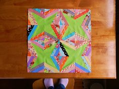 Use up lots of scraps making this cute block. very nice tutorial by Molly Flanders: How To {make that block}