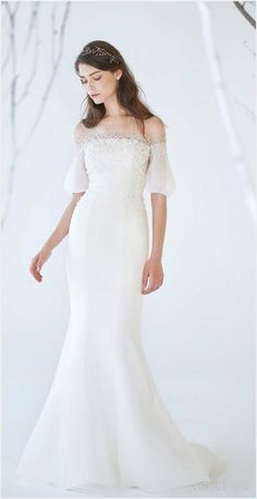 Western Wedding Dresses, Wedding Dress Trends, Elegant Wedding Dress, Wedding Dress Styles, Off Shoulder Outfits, Burgundy Maxi Dress, Dress Pesta, Red Ball Gowns, Nice Dresses