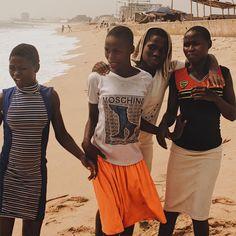 "281 Likes, 6 Comments - DANIEL OBASI (@iamdasidy) on Instagram: ""Nigerian Girls  • 💁🏾 __________ #iamdasidy #danielobasi #lagos #vsco #girls #squads #africa"""