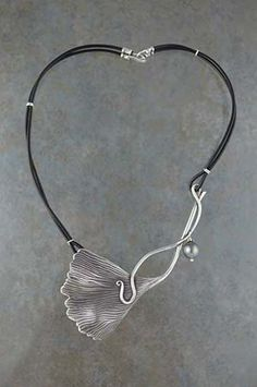 Silver Metal Clay by Stephen and Carolyn Phillips
