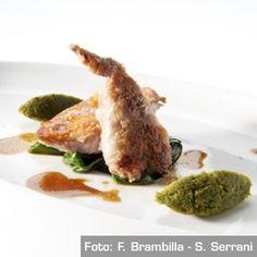 Quaglia confit al profumo di finocchietto marino, pesto di pistacchi, colatura di alici di cetara e bietole al peperoncino - Gennaro Esposito