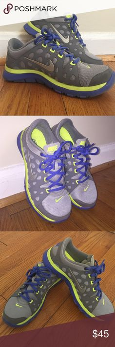 Women's Nike Training Sneakers - Barely Worn! Like New Gray, Blue & Green Women's Nike Fitsole Training Sneakers. Barely Worn (2-3 times) as these shoes are too small for me. Size 5.5! Great Condition. Does not come with original box but shoes are in like new condition! 👟 Nike Shoes Sneakers