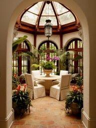 Amazing room... conservatory... breakfast room...