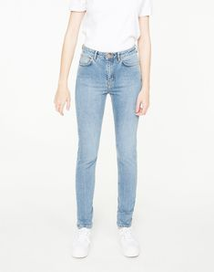 Inga High Waist Jeans Vintage Blue Washaus Bio-Baumwolle #vegan #veganemode #fairfashion Vegan Fashion, Trends, High Waist Jeans, Skinny Jeans, Denim, Womens Fashion, Pants, Blue, Vintage