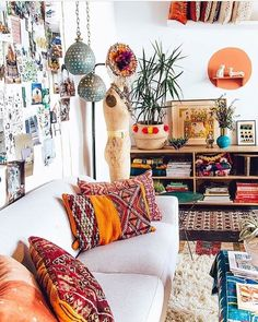 Boho home interior design to inspire you in creating a beautiful and cozy home that reflects your creativity. // boho home interior living rooms / Bohemian House decor diy / Bohemian House decor apartment therapy / dream bedroom ideas for women Bohemian Living Room, Room Design, Interior, Home Decor, Room Inspiration, House Interior, Apartment Decor, Interior Design, Living Room Designs