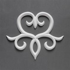 Create your own romantic garland, a perfect finishing touch in floral composition or a decorative embellishment for many Orac mouldings and millwork with supplemental Wall Decorations, Decorative Drops and Decorative Elements. #ULFMORITZ  https://www.oracdecorusa.com/wall-decoration-c-18/